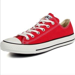 Red low top Chuck Taylor CONVERSE